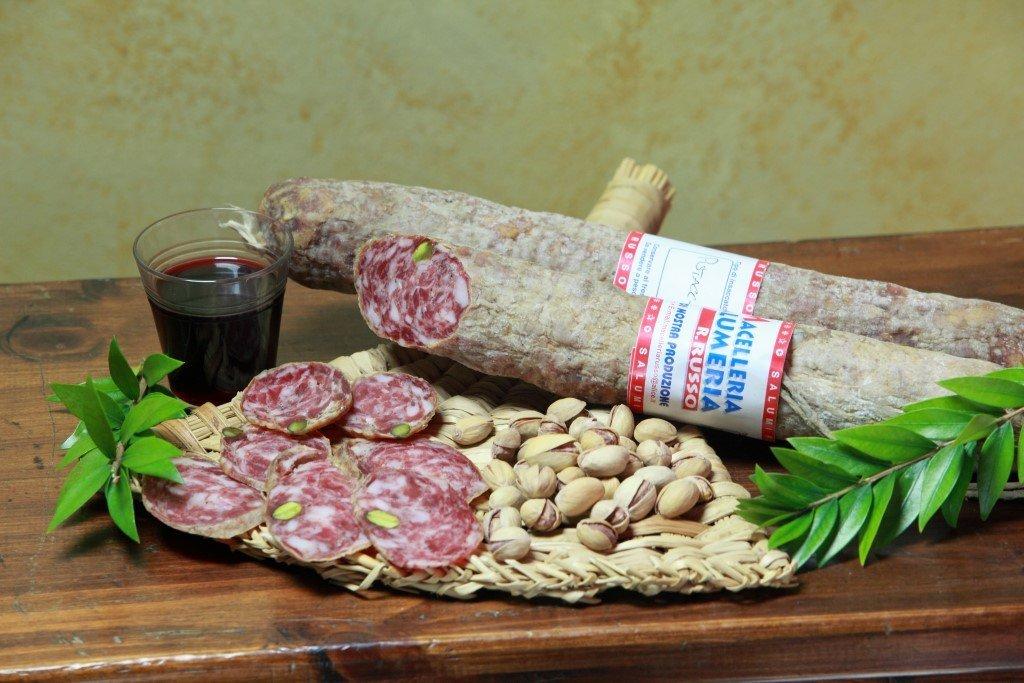 Degustazione di salumi e salsiccia - Macelleria Russo a Buscemi